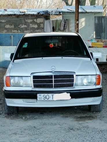 Bakı şəhərində Mercedes-Benz 190 (W201) 1992
