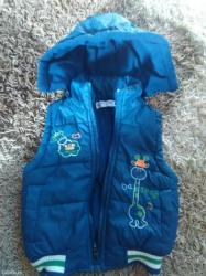 Dečije jakne i kaputi   Batajnica: Ocuvan prsluk za decaka velicina 3 treba rajfislus da se popravi