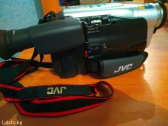 видеокамера jvc практически новая. японская, сборка малайзия. куплена  в Джалал-Абад