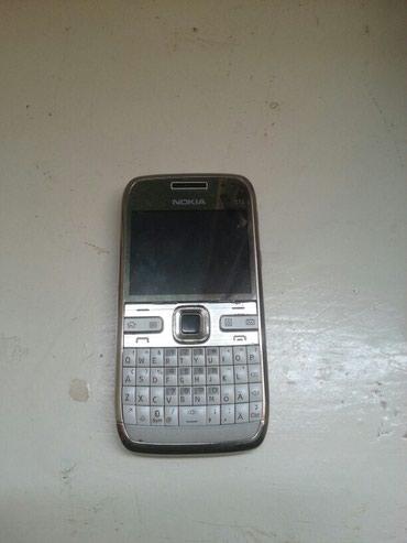 Xırdalan şəhərində Nokia E 72 super veziyetdedi  super telefondu uzun muddetli zaryatka
