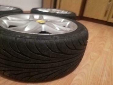 Fiat punto - Srbija: Felne bile na Fiat Punta U odlicnom stanju kako felne tako i gume!!!