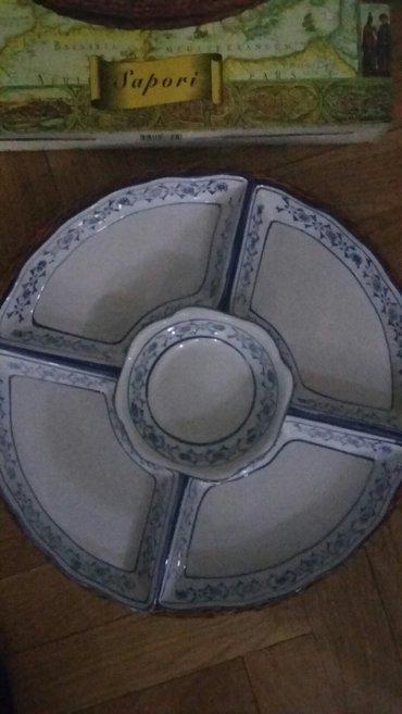 Odlican set od 5 cinija u pletenoj korpi ,malo je ostecena kutija - Beograd - slika 4