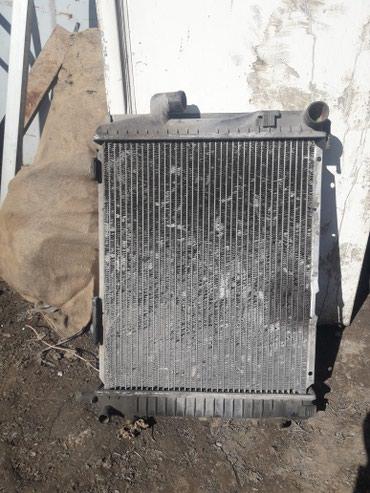 Радиатор мерс 124 102мотор автомат в Лебединовка