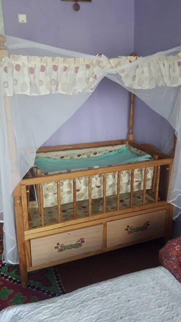 Детская мебель в Сокулук: Продам детскую кроватку,стульчик для кормления,ходунки.Состояние