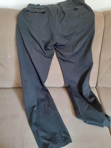 Muške Pantalone | Kucevo: Pantalone muske 52.ocuvane sem postave na dzepu koja je malo pocepana