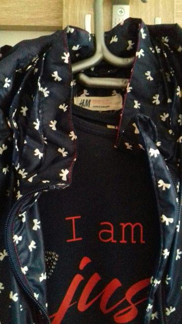 H&M jaknica u odlicnom stanju. Teget boje. Velicina 7,8 - Smederevo