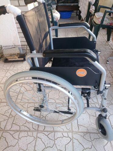 Nova invalidska kolica, držači za noge u kolicim sa alatom za