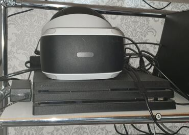 PS4 PRO 1TB + Playstation VR + PSVR Камера и PS Move + DualShock 4 +