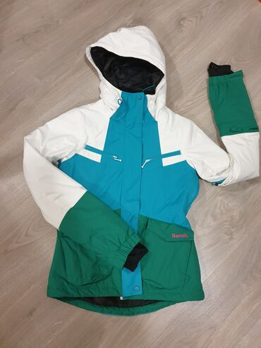 🌞SNIZENJE!!!🌞 BENCH jakna, kao nova. U Bg moze dogovor oko licnog