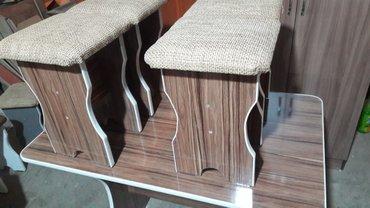 Продаю новый стол с 4 табуретками в Лебединовка