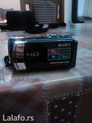 Samsung x500 - Srbija: Soni kamera ful HD kao nova prodajem ili menjam za telefon iphone 5