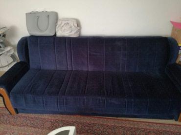 Krevet ocuvan, minimalna cena,standardnih dimenzija. teget boje - Nis