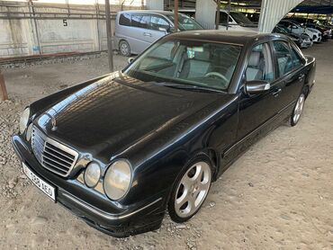 Mercedes-Benz E 320 3.2 л. 2000 | 225 км