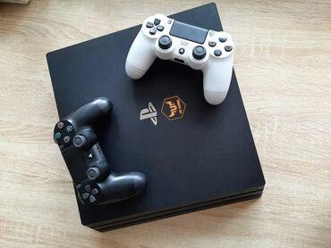 PS4 Pro 2 геймпада в идеальном состоянии