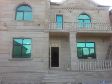 """Xırdalan şəhərində """"Masazir es/yoldan 100m 6ot ela/temirli kupcali ev satilir ."""
