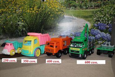 Детский мир - Каинды: Продаю детские игрушки: набор машинок больших, мусоровоз на дордое