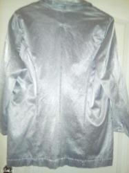 Ženski srebrni sako dobijena na poklon meni veliki vl. 42-44 poru - Kikinda - slika 7