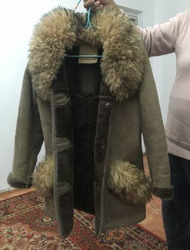 Дубленки для женщин - Кыргызстан: Дублёнка женская в отличном состоянии материал натуральная замша, отде