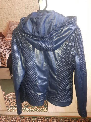 Женская одежда в Чолпон-Ата: Кожаная куртка.размер 46-48 Чолпон ата