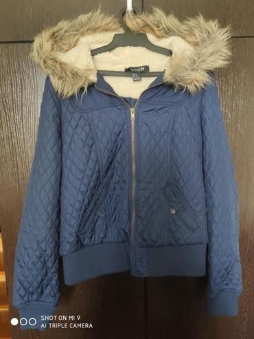 Продается куртка состояние СРЕДНЕЕ.500 сом.6 мкр в Бишкек