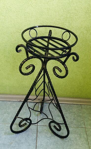 Кованая подставка для цветов, или основание для столика (высота 65 см