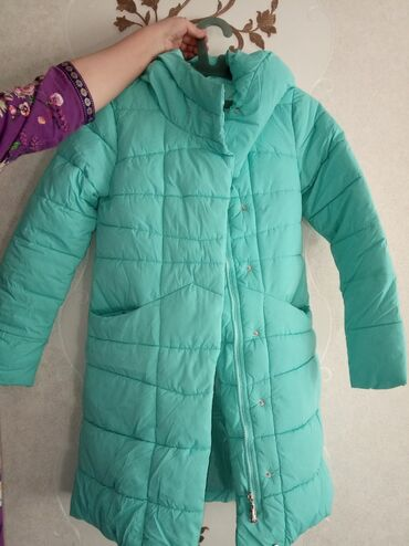 куртка в Кыргызстан: Продаю подростковую куртку, в отличном состоянии на 15-14лет