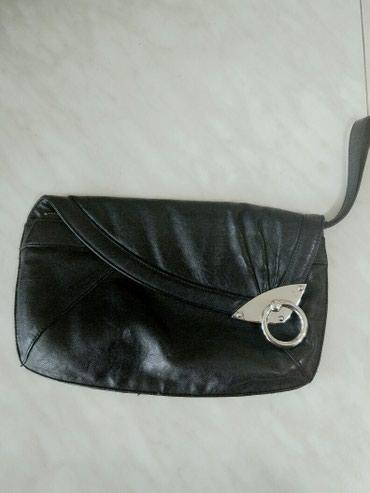 Женская сумка - клатч. В очень хорошем состоянии. Цена 300сом.  в Бишкек