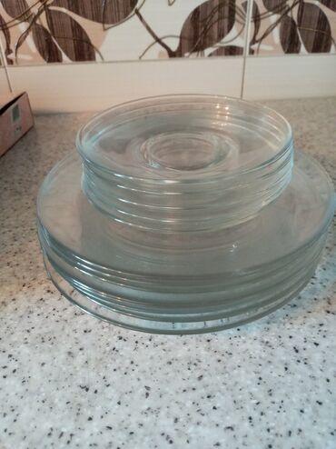 Стеклянные тарелки большие 8 штукмаленькие 6 штукновые