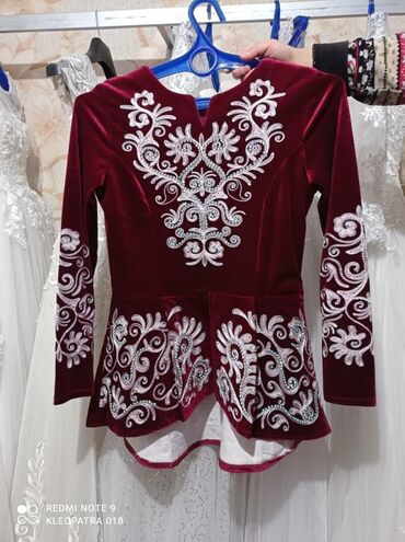 свадебное украшения в Кыргызстан: Срочно продаю свадебные платья,связи с переездем в другой город . 16