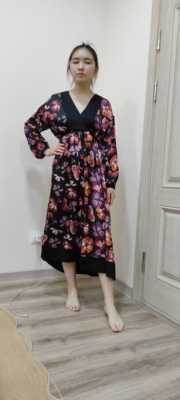 Платье за 2800 сом. Турция, размер 42. Новое