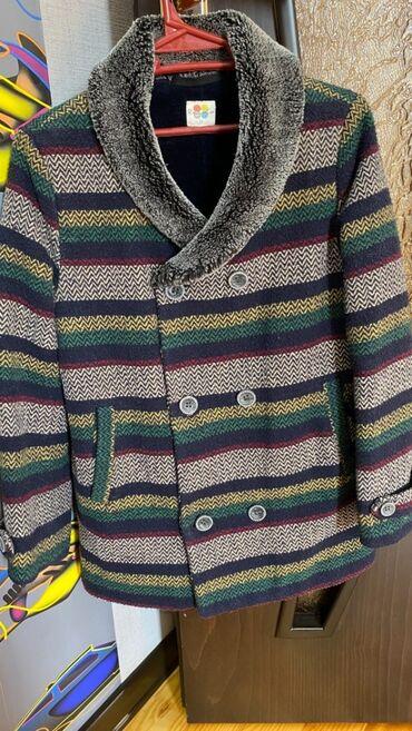 Palto uşaq oğlan 8-9yaş seliqeli veziyyetde bahalı maldır 30azn