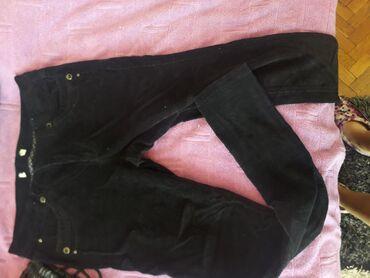 Somotske crne pantalone velicina 36