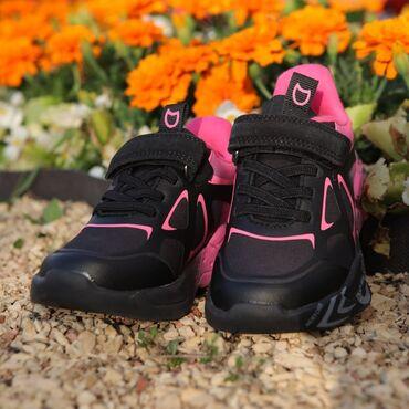 Стильные кроссовки с 20 по 42 размер.-не промакают-дышащие