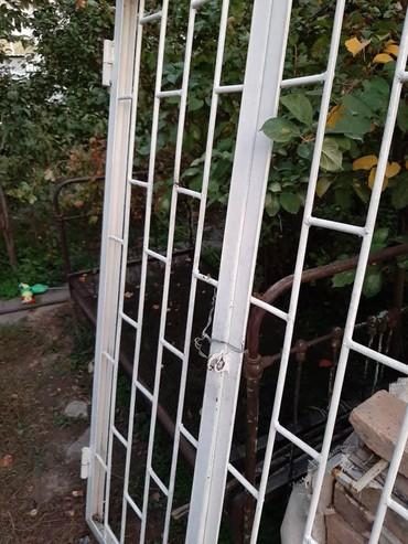 железные двери бишкек в Кыргызстан: Продаю железную дверь открывается на две стороны с готовой рамой