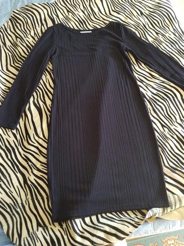 Haljine | Novi Banovci: Haljina od trikotaže, tamno teget boja. veličina 40