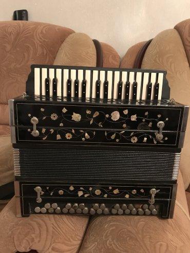 Gəncə şəhərində Original karpuşkin qarmon 1933 cu il. Grundic 31 mikrafon, ses- şəkil 4