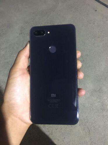 Мобильные телефоны - Базар-Коргон: Б/у Xiaomi Mi 8 Lite 64 ГБ Черный