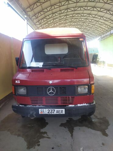 Мерседес сапог грузовой в бишкеке - Кыргызстан: Mercedes-Benz Sprinter 2.3 л. 1986 | 1000000 км