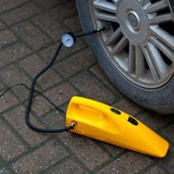 автомобильная сигнализация kgb в Кыргызстан: Автомобильный пылесос 2в 1 +компрессор+ бесплатная доставка по КР, куп