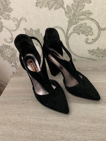 Вся обувь в хорошем состоянии, фирменные, много интересного в