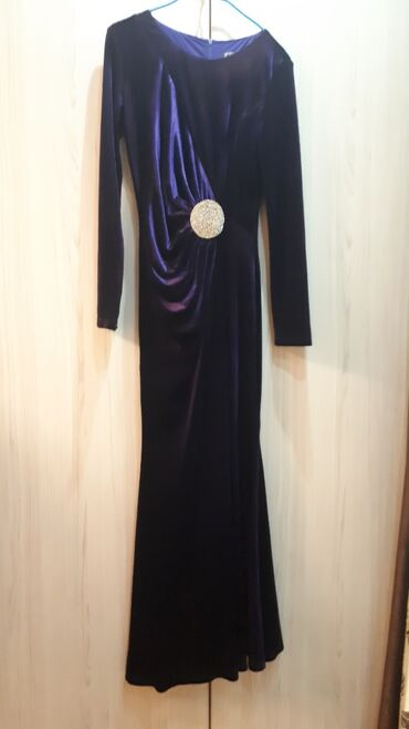 вечернее платья русалка в Кыргызстан: Бархатная,Платья,На прокат Русалка