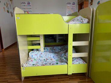 Срочно! Продаю детские кровати, парты, столы, стулья и шкафы. Для