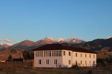 Сдаются комнаты на Иссыккуле в с. Тосор. Вид на озеро, 400м от пляжа