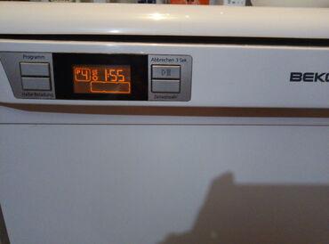 Mašina za sudove Beko za 12 osoba, 5 programa pranja, ima tajmer, 60c
