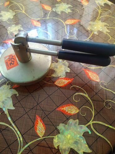 Кухонные принадлежности в Кара-Балта: Ключи для закатки консервации С двумя ручками 200 сом,простой 100 сом