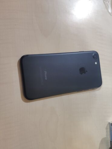 зарядка iphone 7 в Азербайджан: Б/У iPhone 7 32 ГБ Черный