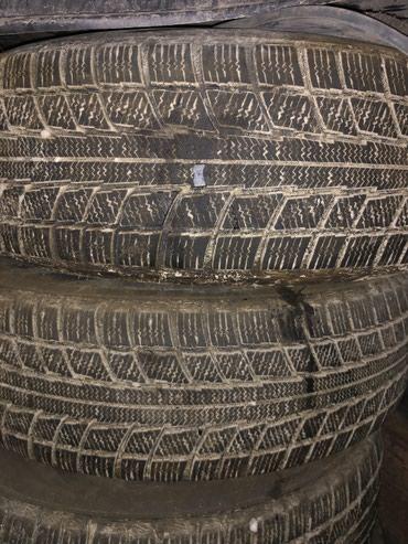 Шины и диски - Ширина: 225 - Бишкек: Продаю на lexus RX 300 диски с резиной. Резина зимняя 225/70/16 компле