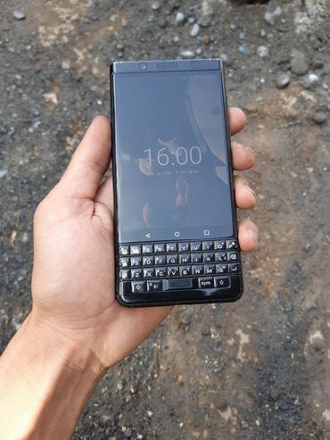 Blackberry - Кыргызстан: Срочно продаю BlackBerry KEYone память 64гб состояние 9/10 бүт баары