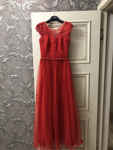 красное платье на свадьбу в Кыргызстан: Платье Вечернее A-Dress S