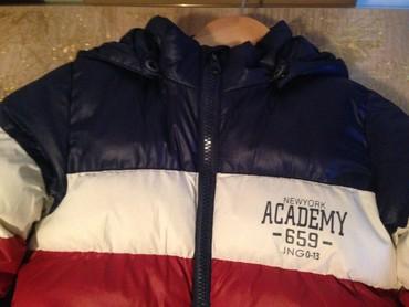 Zimska jakna za decake, veoma topla, bez ostecenja . Na velicini pise - Jagodina